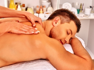 client enjoy massages in London